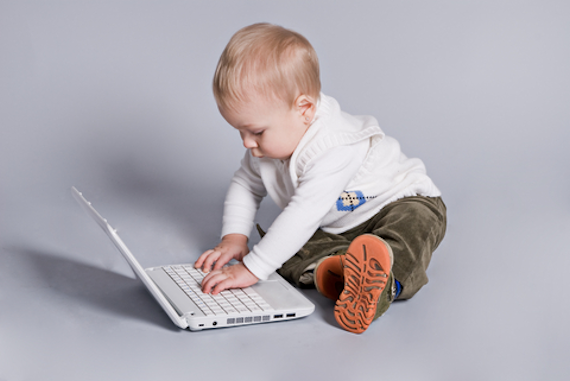 Featured Guest Post: 7 Steps to Keep Your Child Safe Online